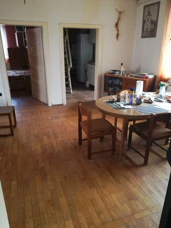 Apartament în centru Bușteni