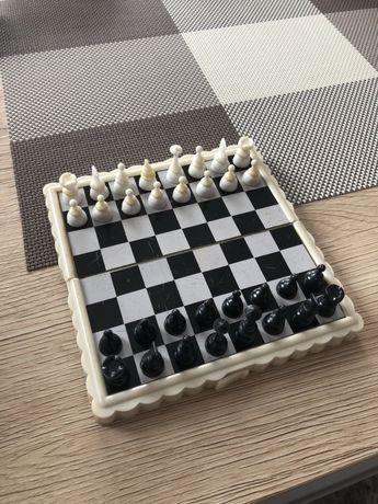 Мини магнитен шах