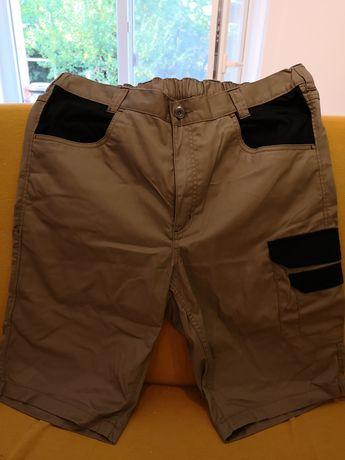 Pantaloni trei sferturi pentru lucru