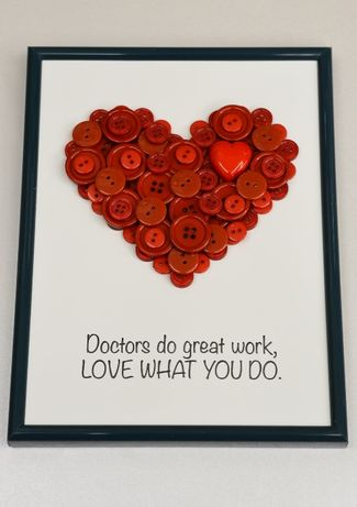 cadou doctor medic asistenta tablou handmade cu mesaj