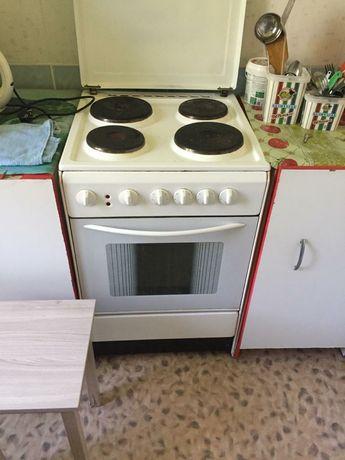 Продам электрическую плиту недорого