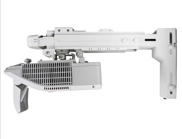 Videoproiector profesional Ultra Shor Trow Hitachi BZ-1