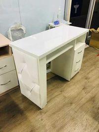 Маникюрные столы в наличии и на заказ