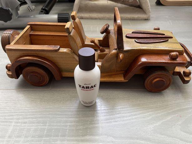 Jeep din lemn masiv