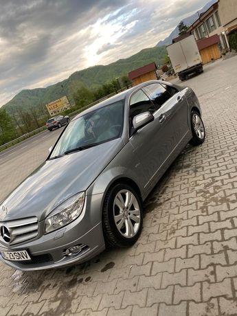Vând Mercedes c220 model Avantgarde