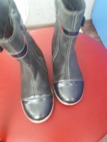 Продам демисезонные ботиночки на девочку 27 размер