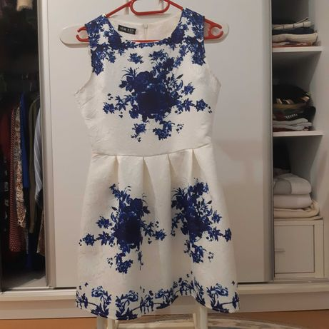 Rochie casual cu flori albastre