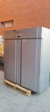 Продам холодильник для кафе