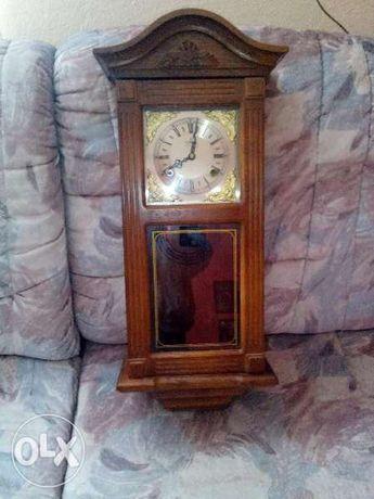 Стенен часовник Meister Anker