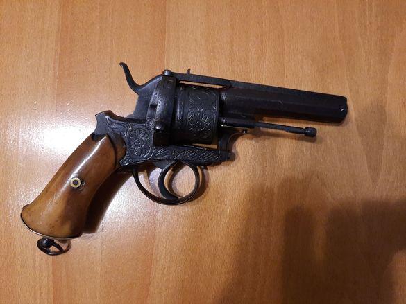 Револвер Лефуше 1858г. белгийски оригинал пистолет