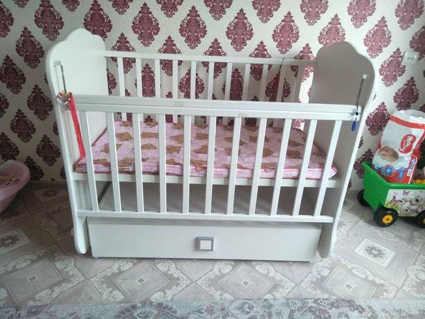 Продам манеж кровать