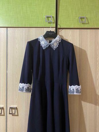 Продам школьную форму-платье  на последний звонок