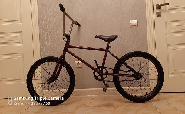 Трюковой велосипед БМХ (BMX), в хорошем состоянии, колеса 20