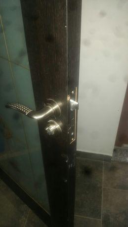 Brosca usa 5 bucati cu tot cu chei