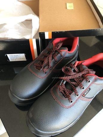 Чисто нови работни обувки Wolf, 42