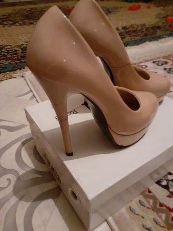 Женские туфли  б/у