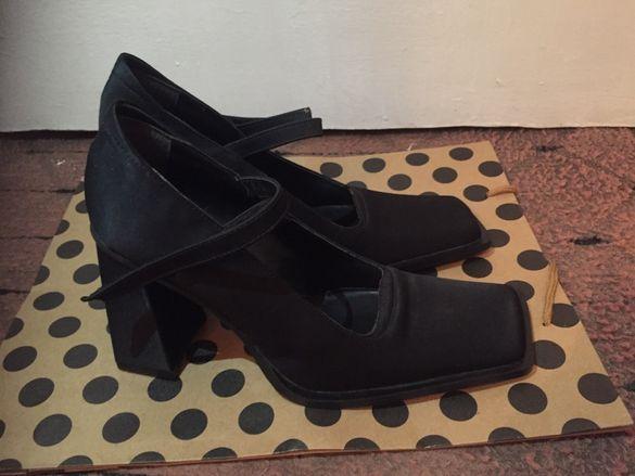 Официални дамски обувки (велурени)