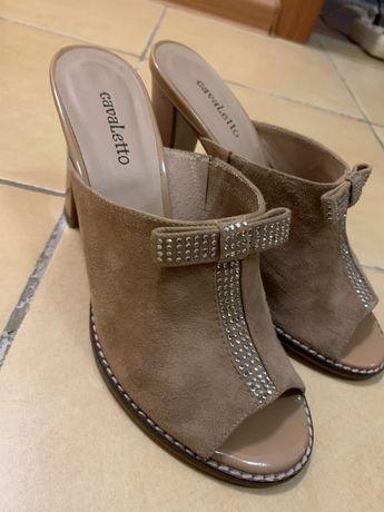 Продам новую женскую кожаную обувь