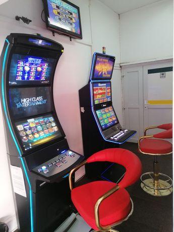 Colaborare slot-machines (păcănele)