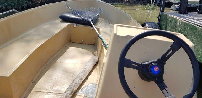 Barca 430 fibra cu motor 30 CP 2T in stare foarte buna de functionare