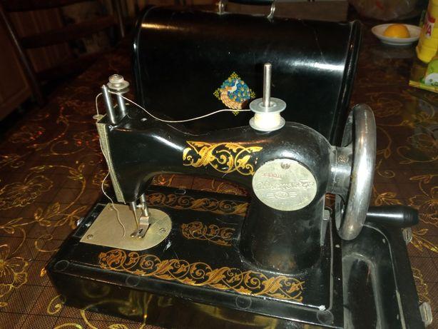 Швейная машинка советского периода