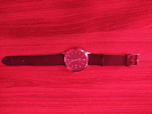 Продам часы Q&Q quartz