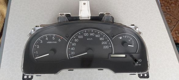Километраж за авенсис версо