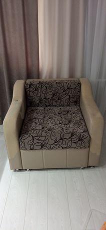 Кресло, раскладывается в кровать