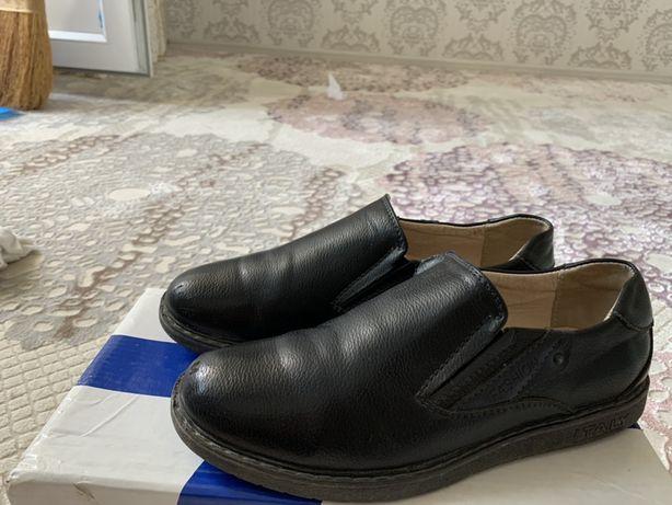 Кожаный ботинок для мальчика