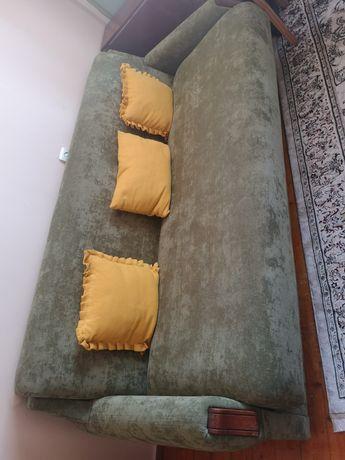 Диван, кресла отличное состояние настоящее дерево