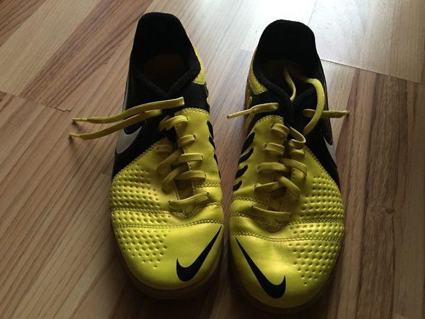 Adidasi Nike sport 35
