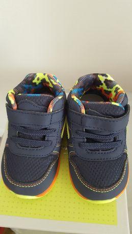 Продается кроссовки