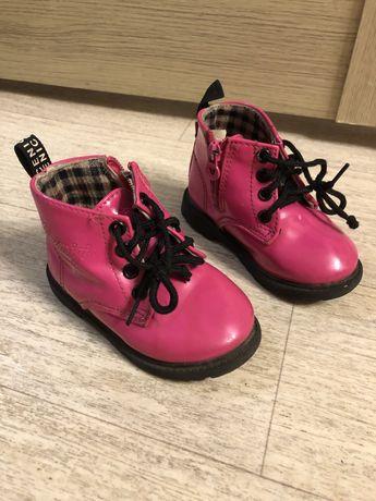 Отдам обувь детскую