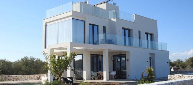 Firma specializata in constructii case / vile / blocuri