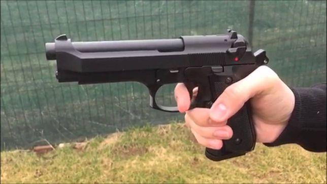 OFERTA! Pistol Modificat Co2 Berett Airsoft Full Metal Taurus 6.04mm