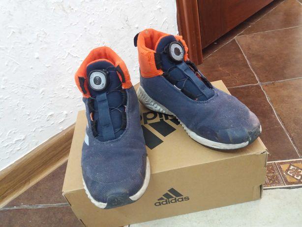 Кроссовки adidas 3000тг, размер 34-35