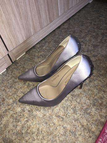 Продам шикарные, новые туфли