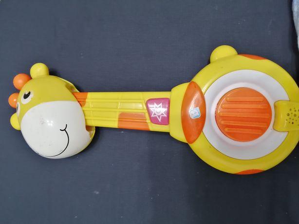 Girafă chitara