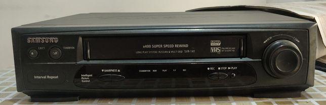 Продам дёшево рабочий кассетный видеомагнитофон