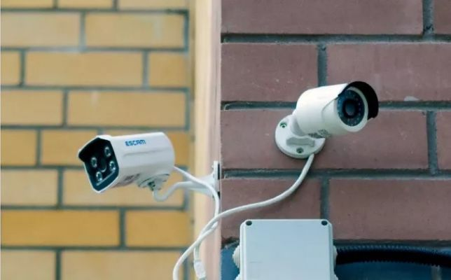 Монтаж видеонаблюдения камер и сигнализации