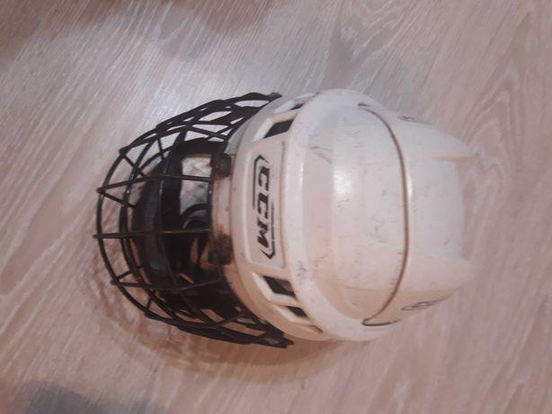 Шлем для хоккея б/у