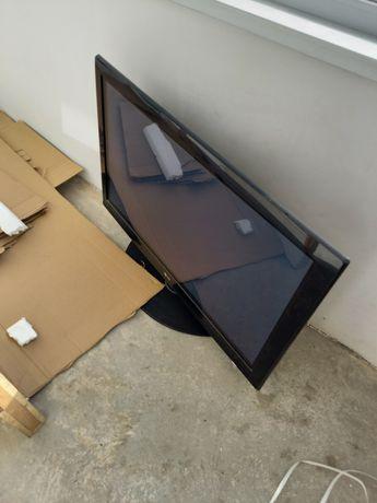 Продам телевизор нерабочии
