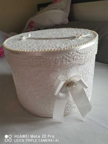 Кутия за подаръци+поднос за къна+воал+цветчета