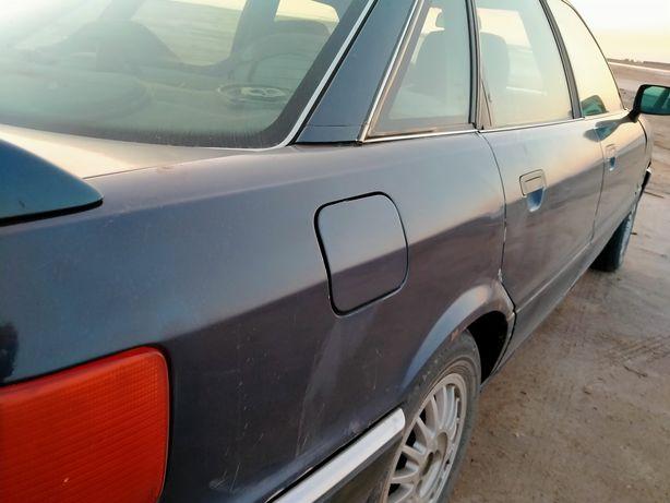 Ауди 90 1988 года выпуска