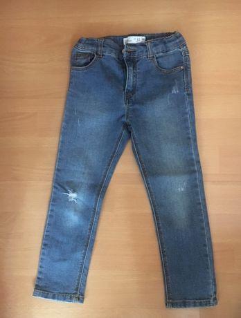 Vand jeans ZARA, pt fete 4-5 ani
