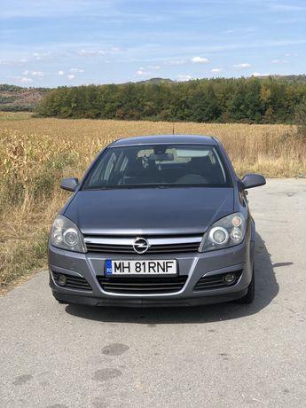 Opel Astra H | IDS+, Sport, Bi-xenon