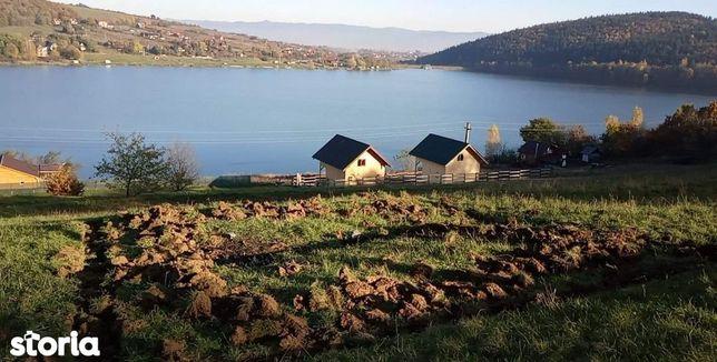 De vinzare teren lac Padureni