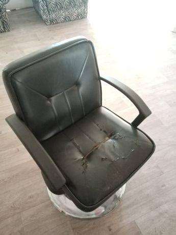 Кресло для парикмахерская