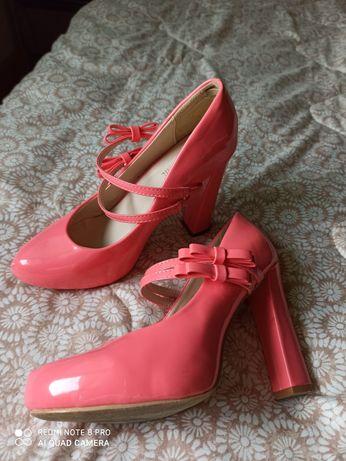 Дамски обувки 38 номер