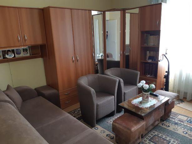 Vand sau schimb apartament 3 camere confort 1 zona Dambu